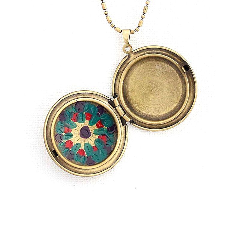 Colar Relicário Mandala Esmaltado Ouro Velho Roxo