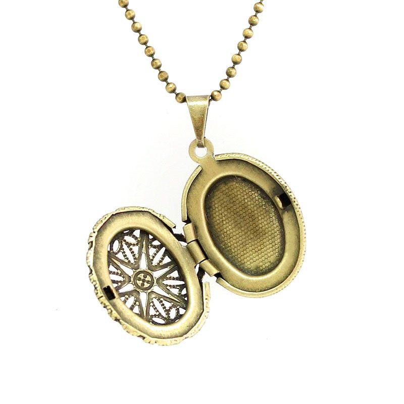 Colar Relicário Oval Ouro Velho Vazado Pequeno