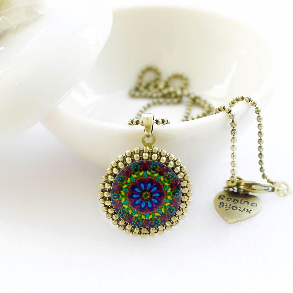Mandala relicário pequeno cor roxa e ouro velho