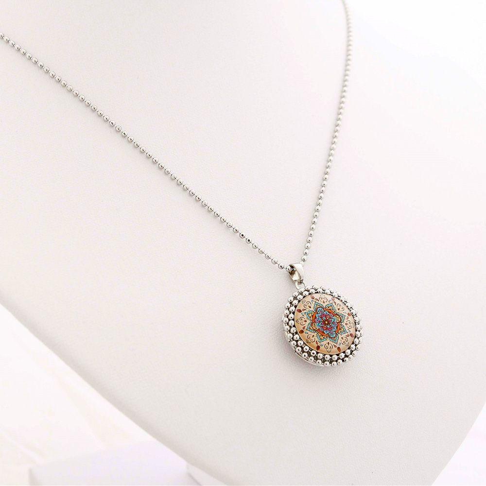 Mandala relicário pequeno cor salmão e prata