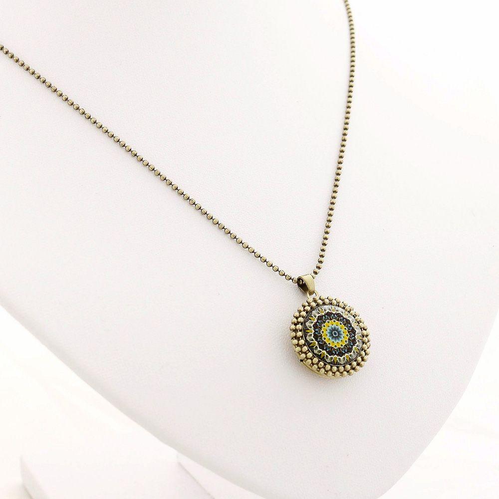 Mandala relicário pequeno cor verde e ouro velho