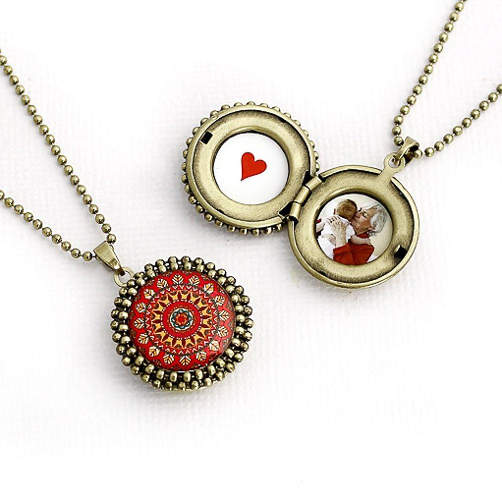 Mandala relicário pequeno cor vermelha e ouro velho