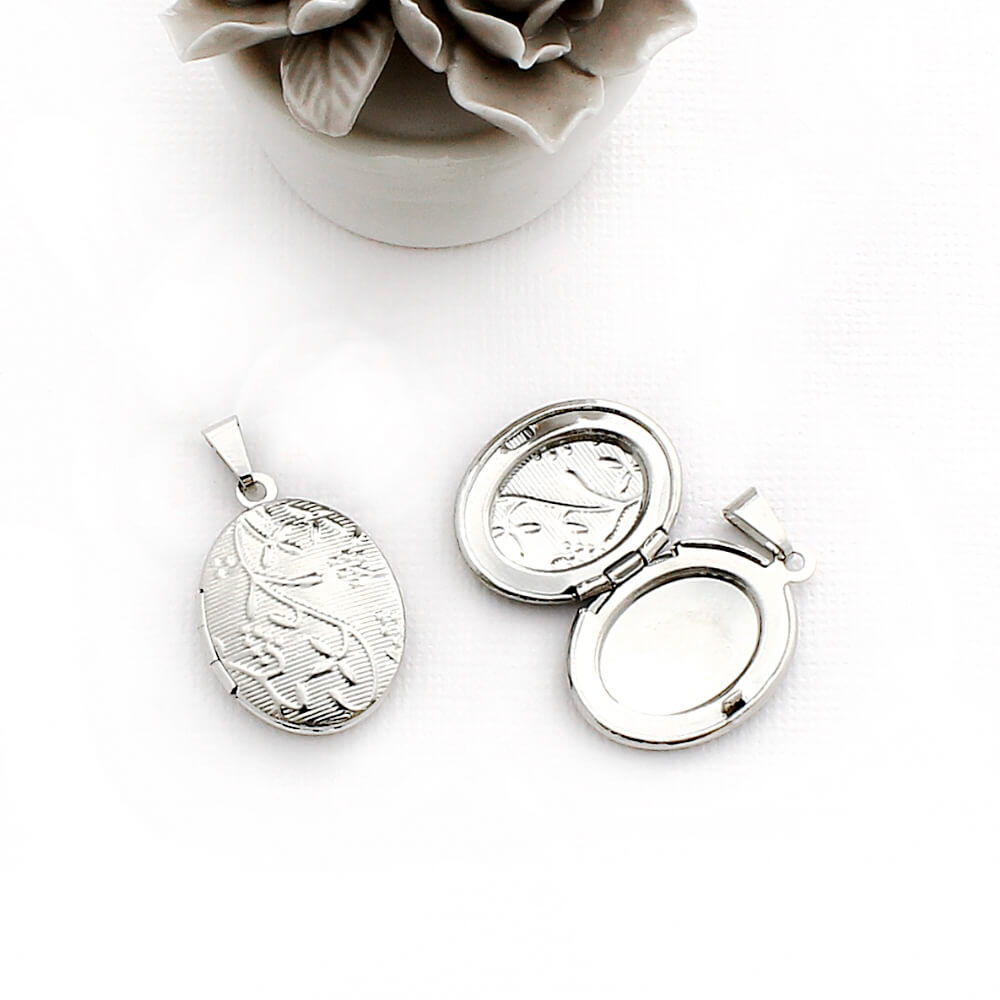 Pingente Relicário modelo Oval Pequeno