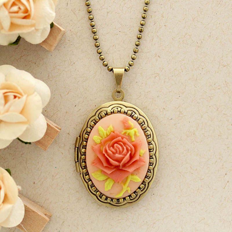 Relicário Camafeu Flor Ouro Velho Rosê e Coral