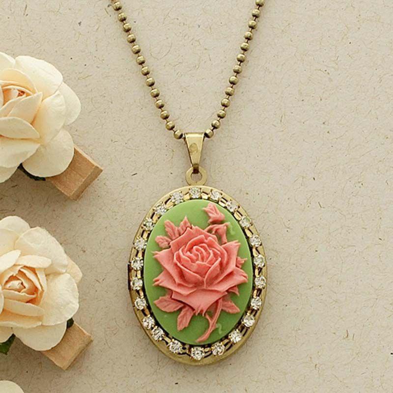 Relicário Camafeu Flor Ouro Velho Verde e Rosa com Strass