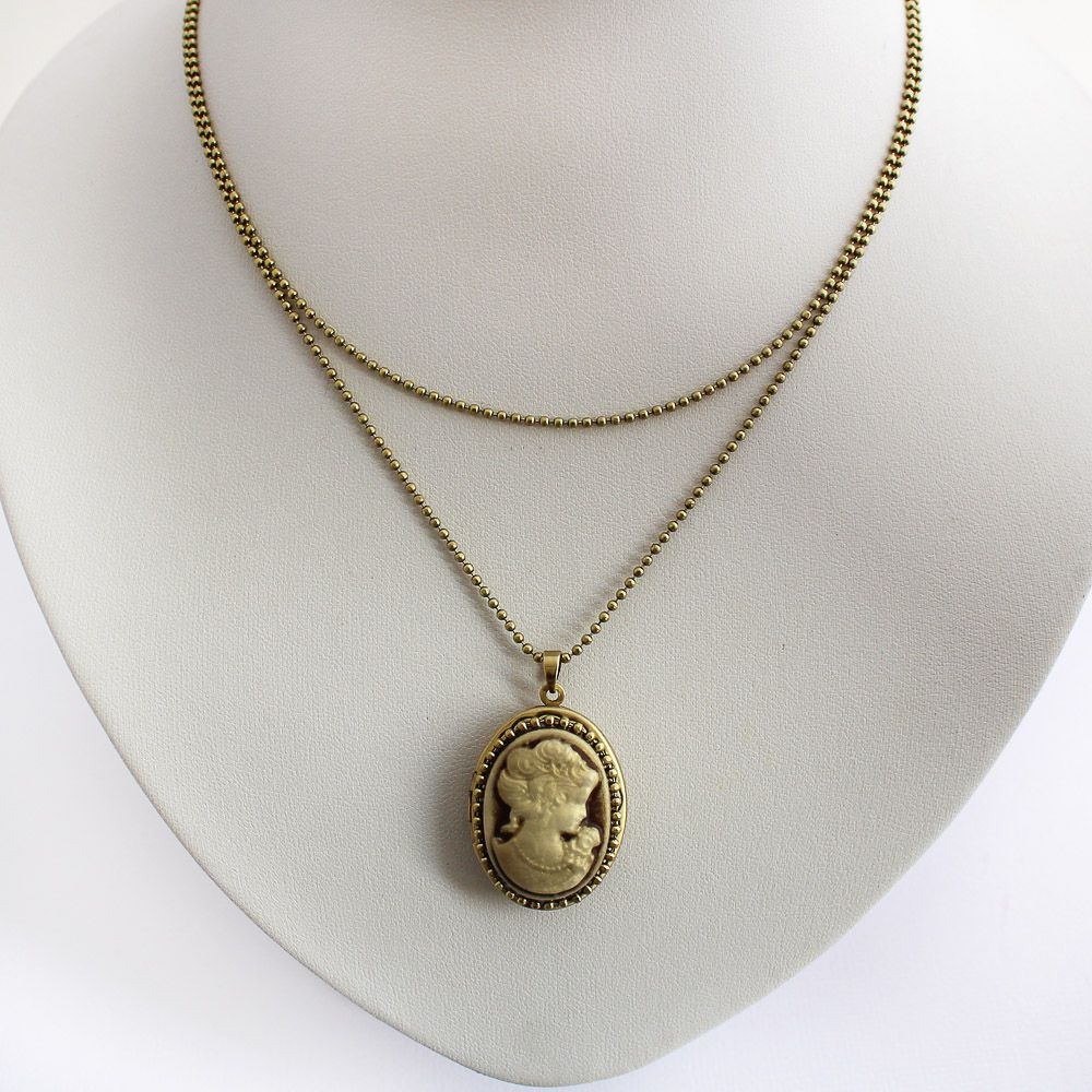 Relicário Camafeu Vintage Ouro Velho Marrom e Branco