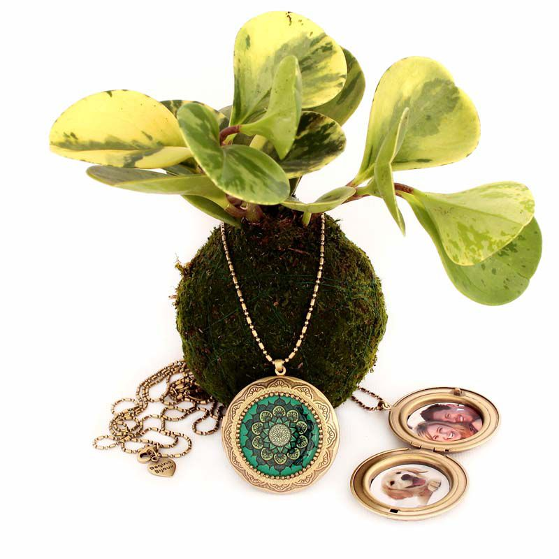 Relicário Mandala Grande Ouro Velho Verde