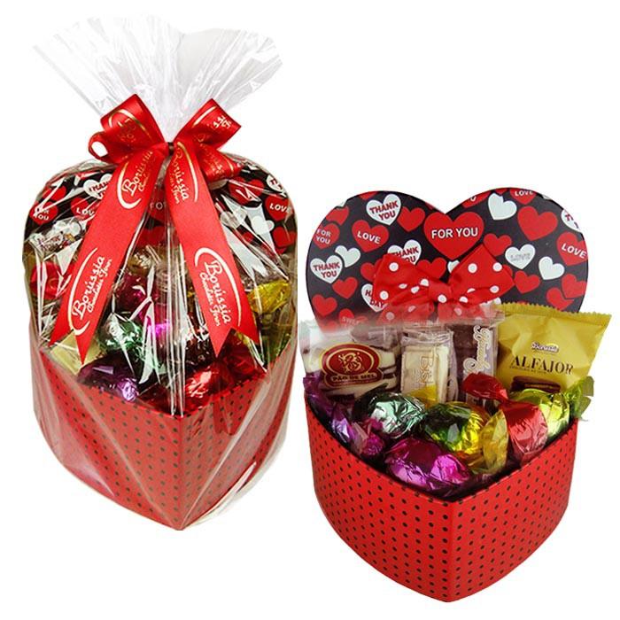 Caixa Presente Coração Média com Chocolates Variados Borússia Chocolates