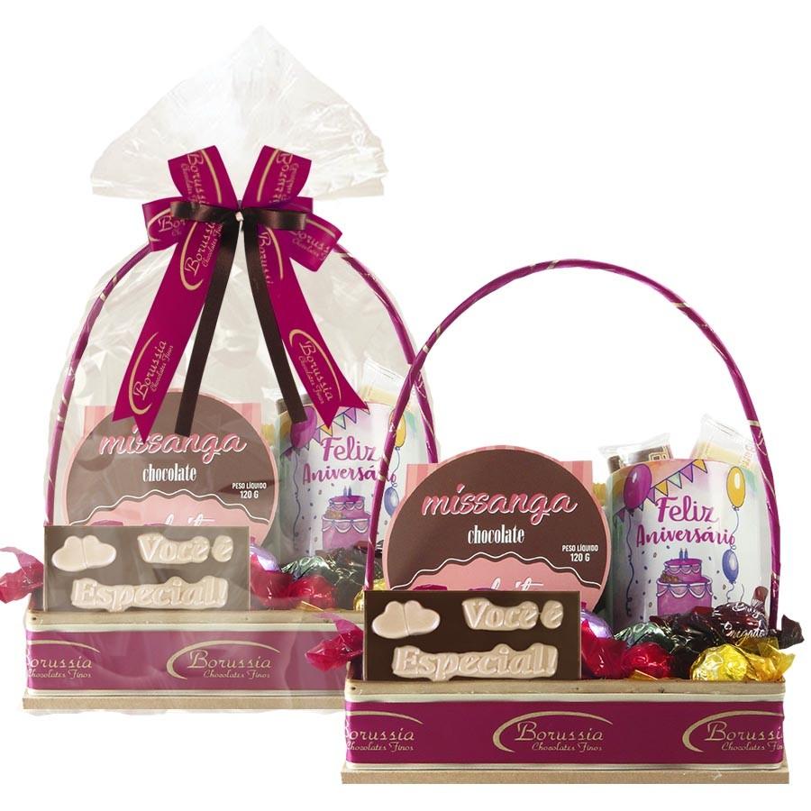 Cesta de Aniversário com Chocolate e Caneca Tipo 3 Borússia Chocolates
