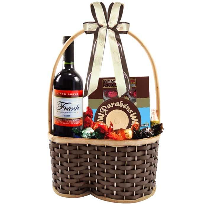 Cesta de Aniversário com Chocolate e Vinho Borússia Chocolates