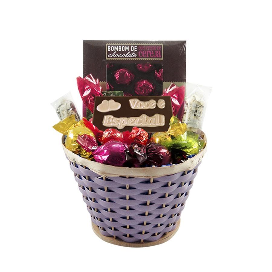 Cesta de Chocolates Carinhosa Lilás Borússia Chocolates