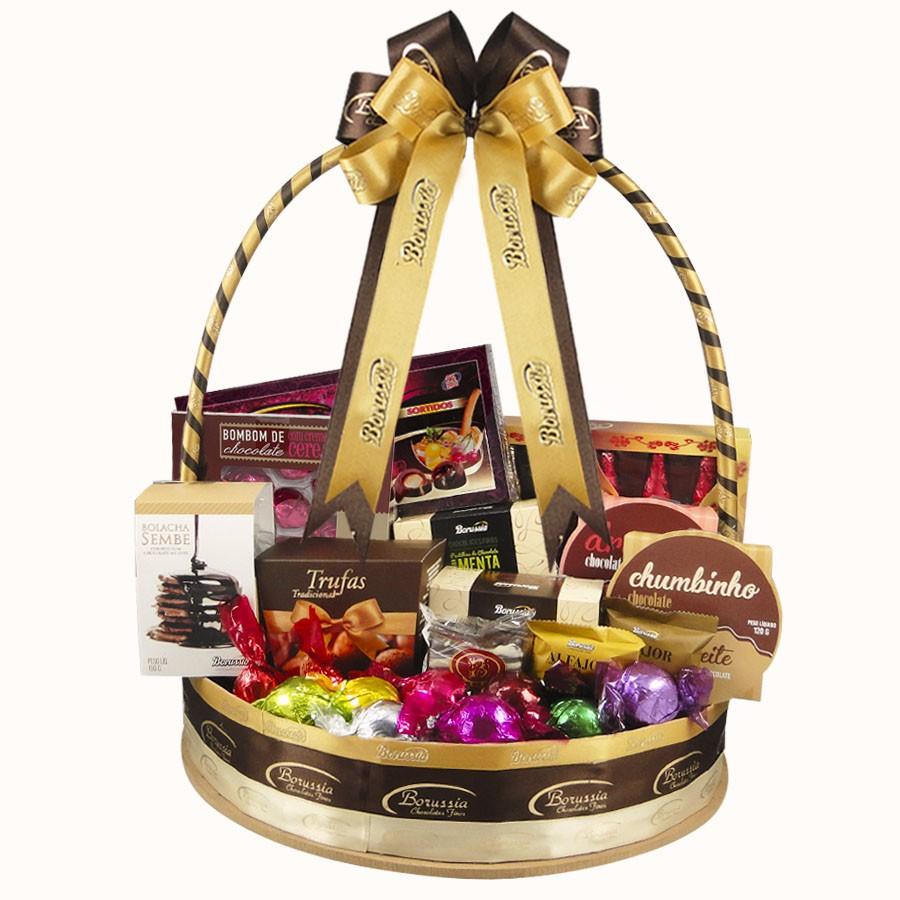 Mega Cesta com Chocolates Variados Borússia Chocolates