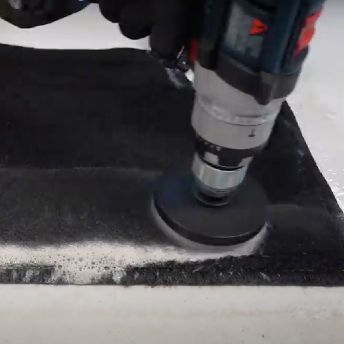 Escova Politriz Cerdas Macias + Limpa Carpete E Estofados 5L