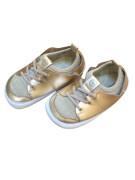 Sapato Dourado - Tip Toey Joey