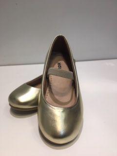 Sapato Boneca Verniz Dourado Hobby