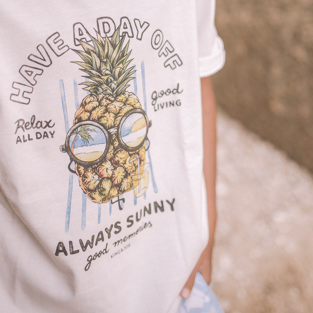 Camiseta King e Joe Abacaxi Always Sunny Off White CA03056K