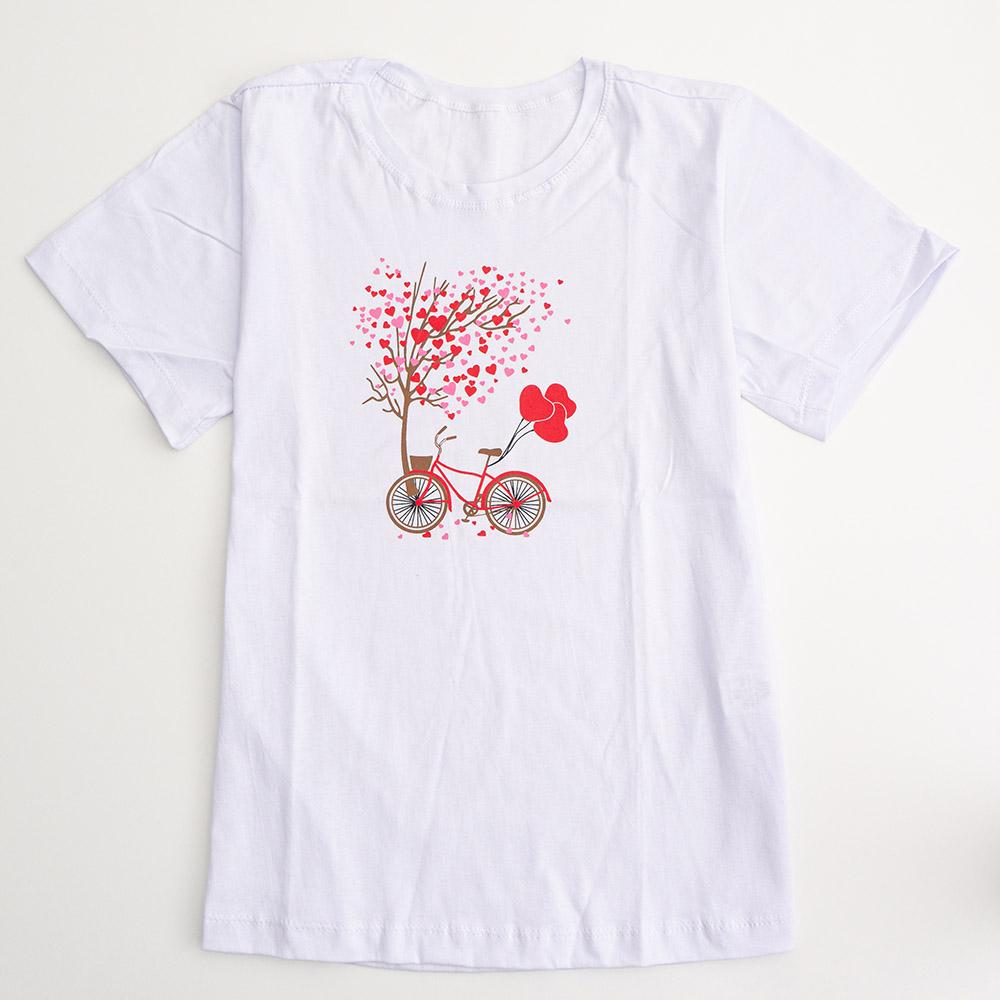 Camiseta Menina É Cada Uma Árvore Corações