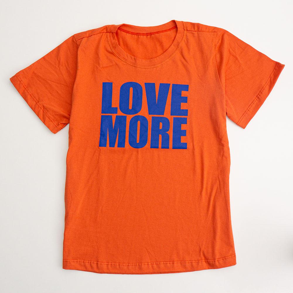 Camiseta Menina É Cada Uma Love More