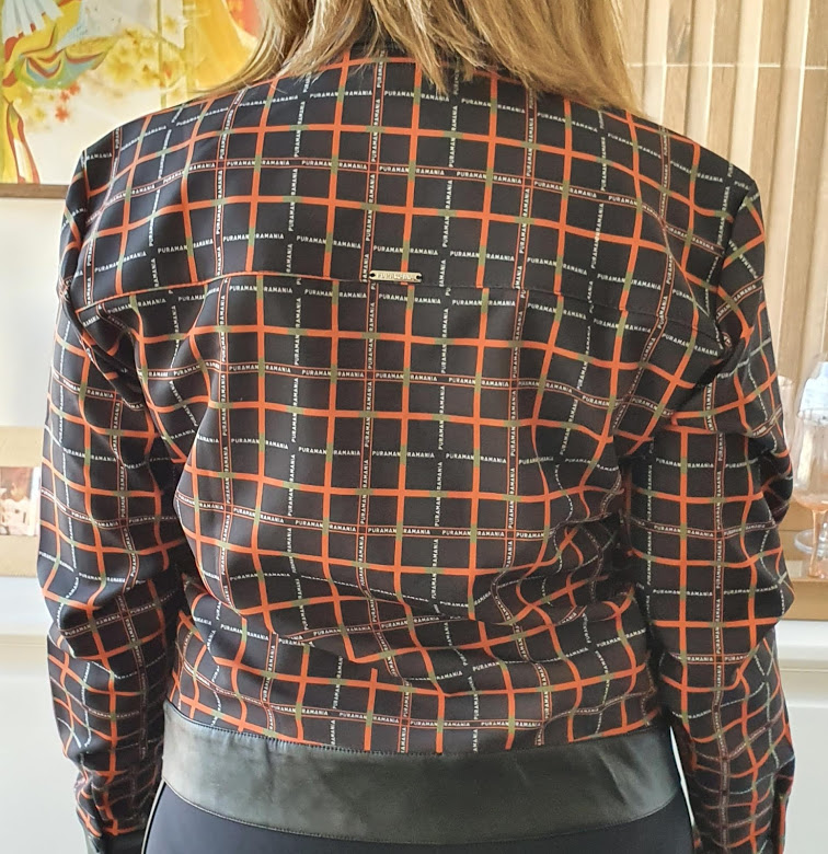 Jaqueta com detalhes em couro fake Puramania