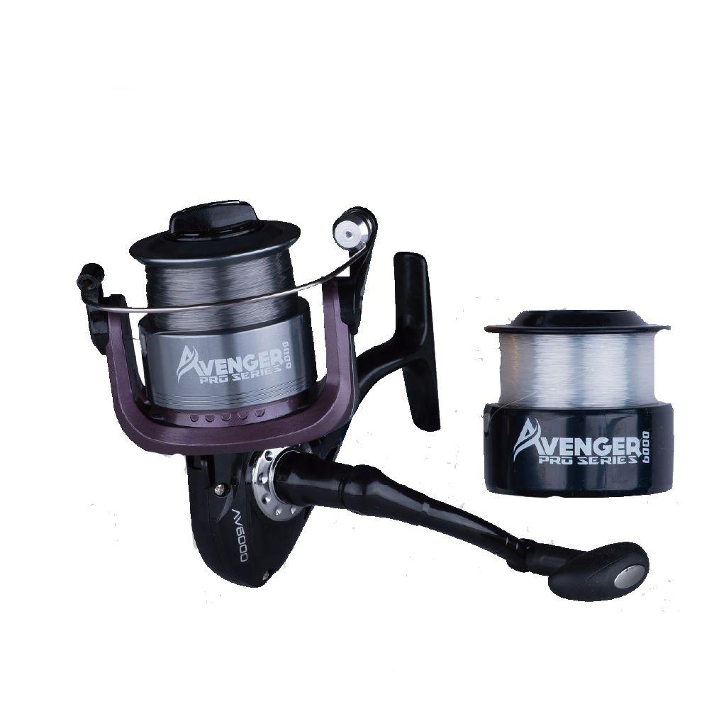 Molinete Plusfish Avenger Pro Series 1000