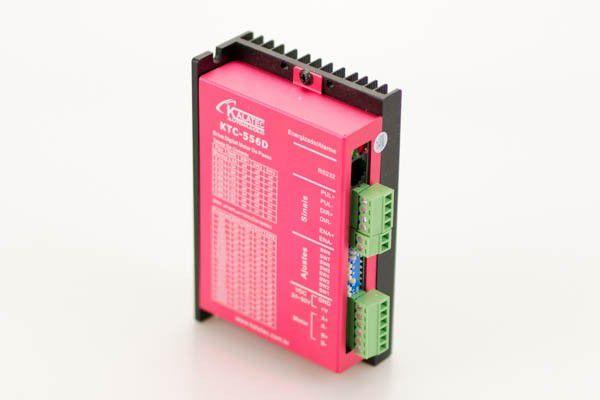 Drive Digital de Motor de Passo KTC-556D - Corrente RMS de 4.0 Amperes e Pico de 5,6 Amperes Ligação NPN e PNP com ajuste de Micro passo e corrente via DIP Switch