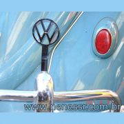 Emblema cromado p/ suporte do para-choque VW p/ FUSCA até 1970