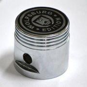 Manopla alumínio pistão cromada c/ logo wolfsburg