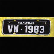 Placa PRETA decorativa Volkswagen VW - 1983