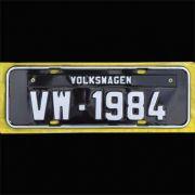 Placa PRETA decorativa Volkswagen VW - 1984