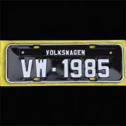 Placa PRETA decorativa Volkswagen VW - 1985