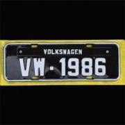 Placa PRETA decorativa Volkswagen VW - 1986
