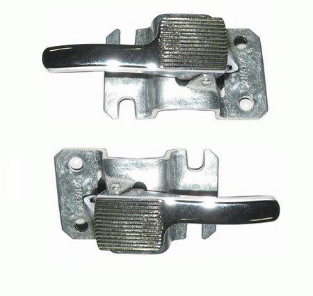Par gatilho interno da porta fusca 78/96 em metal cromado  - SSR Peças & Acessórios ltda ME.