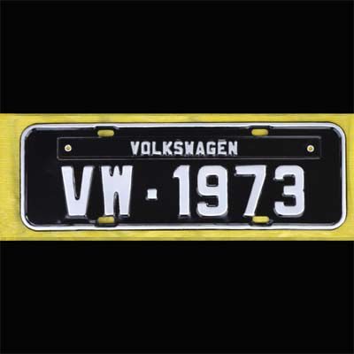 Placa PRETA decorativa Volkswagen VW - 1973  - SSR Peças & Acessórios ltda ME.