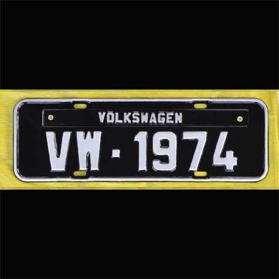 Placa PRETA decorativa Volkswagen VW - 1974  - SSR Peças & Acessórios ltda ME.