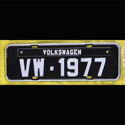 Placa PRETA decorativa Volkswagen VW - 1977  - SSR Peças & Acessórios ltda ME.