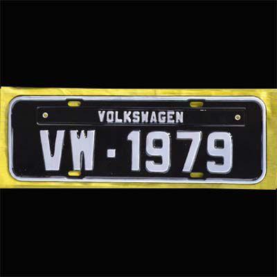 Placa PRETA decorativa Volkswagen VW - 1979  - SSR Peças & Acessórios ltda ME.