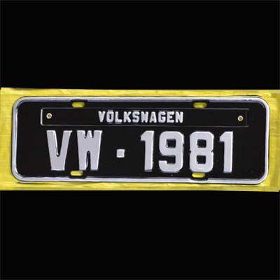 Placa PRETA decorativa Volkswagen VW - 1981  - SSR Peças & Acessórios ltda ME.