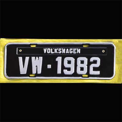 Placa PRETA decorativa Volkswagen VW - 1982   - SSR Peças & Acessórios ltda ME.