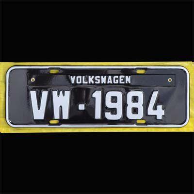 Placa PRETA decorativa Volkswagen VW - 1984   - SSR Peças & Acessórios ltda ME.