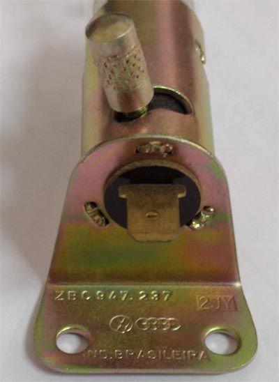 Soquete + lampada para adaptação iluminação cofre motor   - SSR Peças & Acessórios ltda ME.