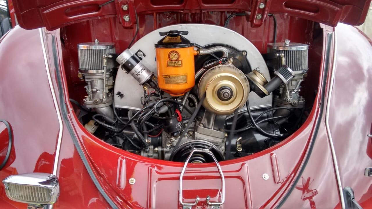 Suporte cromado p/ tampa traseira refrigeração motor Fusca  - SSR Peças & Acessórios ltda ME.