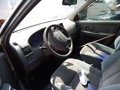 Sucata Kia Carens 1.8 16V Automatico LS 2001 Para Retirada de Peças