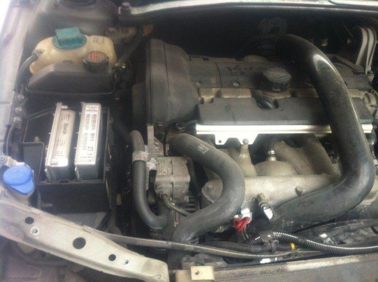 Sucata Volvo V70 XC 2004 Para Retirada de Peças