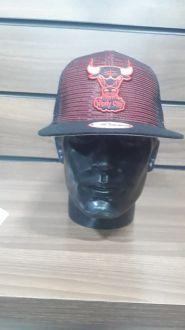Boné Chicago Bulls Tela Aba Reta New Era