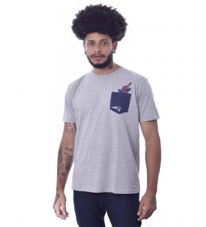Camiseta Marvel Homem Aranha New England Patriots