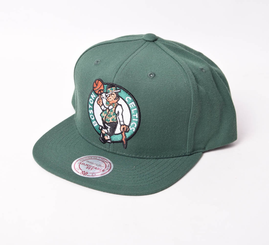 Boné SnapBack Mitchell & Ness Boston Celtics aba reta
