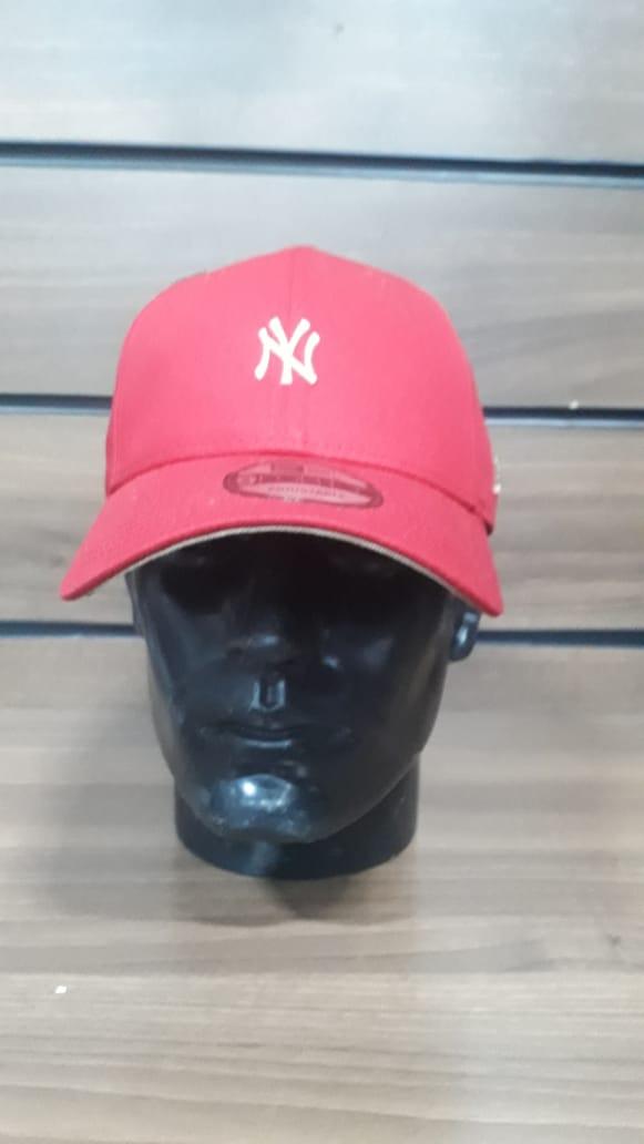 Boné New York Yankees New Era Logo Dourado