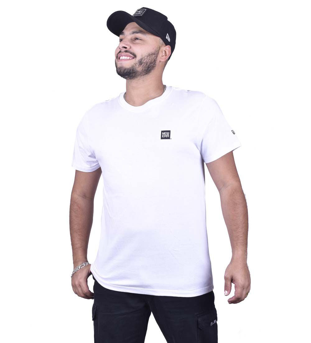 CAMISETA NEW ERA BASIC