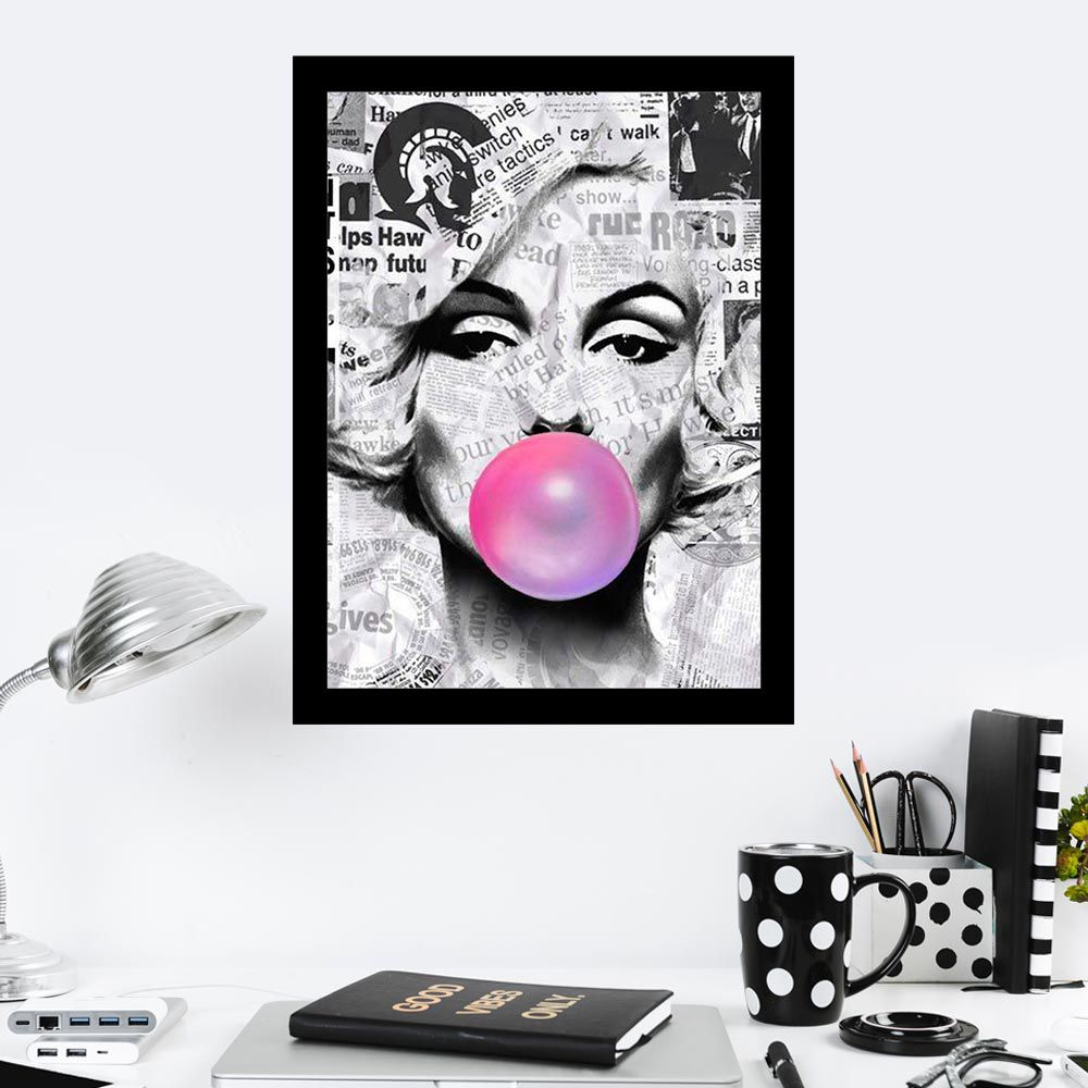 Quadro Decorativo 27x36 Marilyn Monroe Chicletes Fundo Jornal