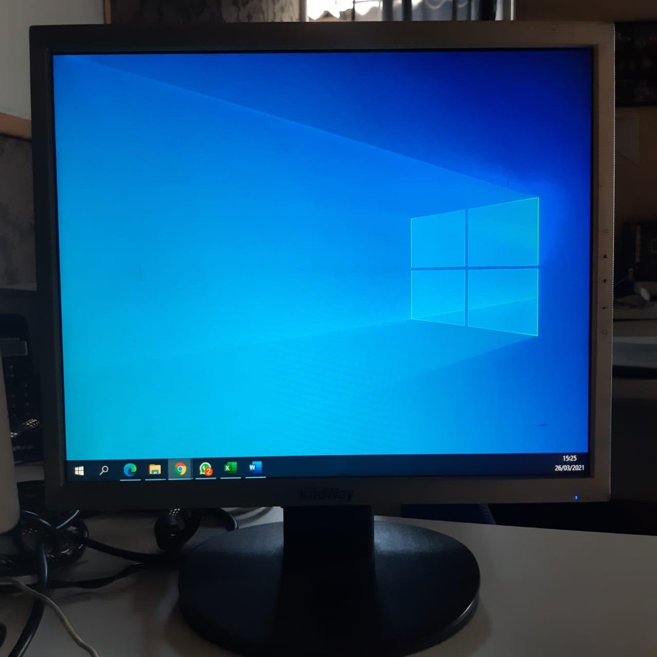 Monitor 17 polegadas Infoway - com riscos - sem cabos